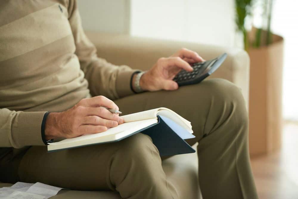¿Se puede cobrar la pensión de viudedad y la de mayor de 52 años?
