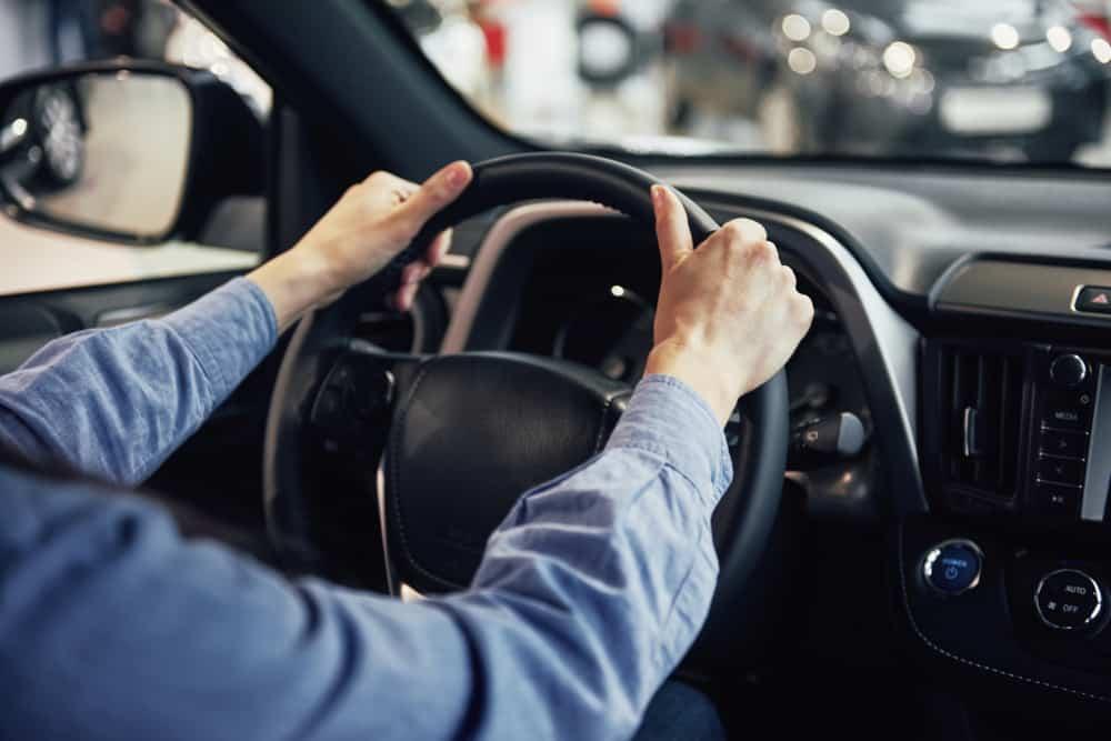 ¿El paro te paga el carnet de conducir?